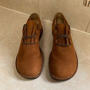 ⚫️Born Soft Leather Casual Shoes Sz 9